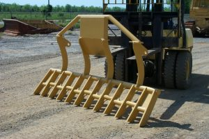 Top mounted rake 2